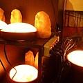 飛碟鹽燈可以溫暖手腳、讓身心更健康