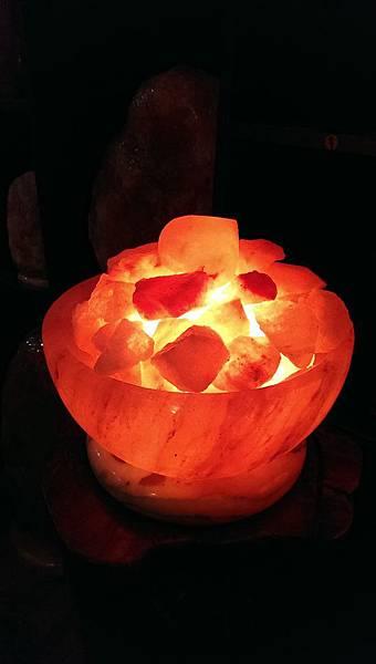 大型聚寶盆鹽燈