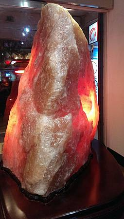 1千多公斤鹽燈