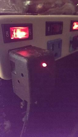 鹽燈安全電線 有自動斷電裝置 電線有兩層防火材質包覆