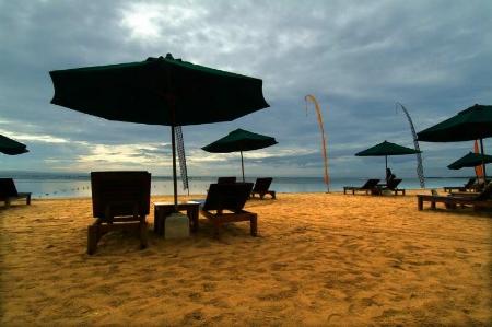 我們住的飯店的沙灘