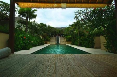 villa的游泳池