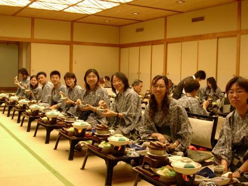 很日本式的吃飯