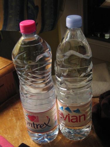 我買了兩罐水