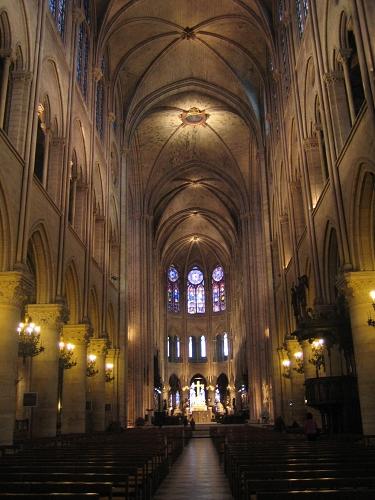 聖母院內部