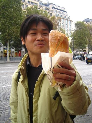 買到有名麵包店Paul的麵包