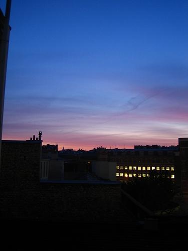 一早窗外的景色