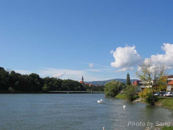 Drave河岸旁的Maribor