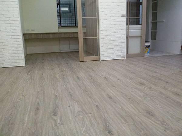炭化美耐板超耐磨地板-天然紋 科羅拉多 01
