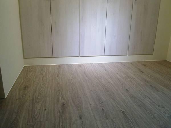 炭化美耐板超耐磨地板-天然紋 科羅拉多 02