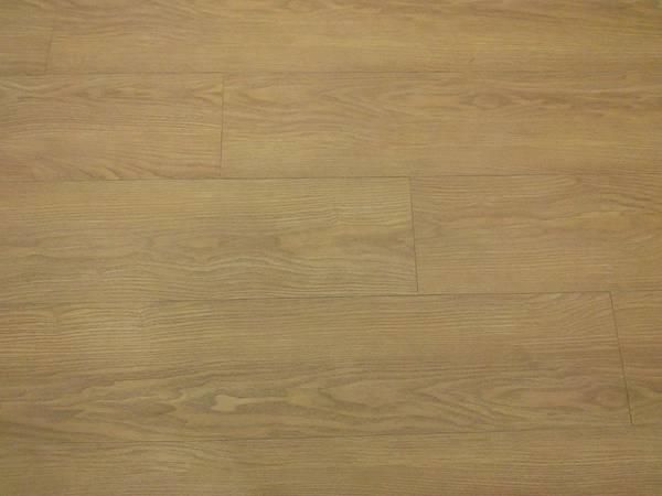 美耐板超耐磨地板 時尚自然紋系列-馬爾地夫橡木 01