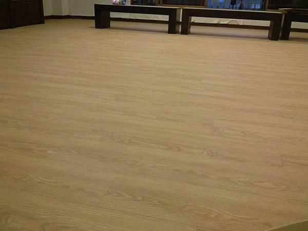 美耐板超耐磨地板 時尚自然紋系列-馬爾地夫橡木03
