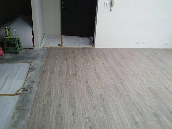 炭化美耐板超耐磨地板7.8寸5分-科羅拉多01