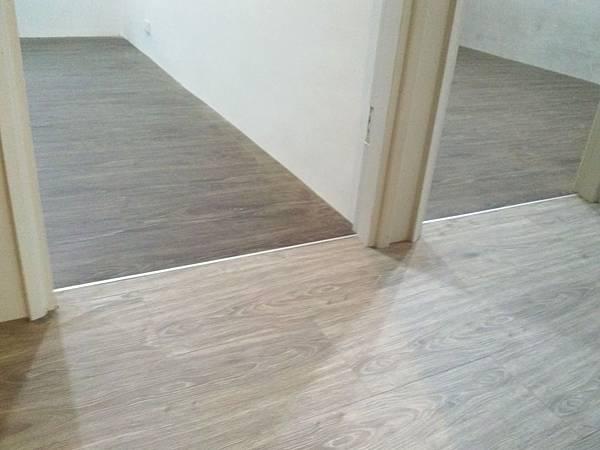 炭化美耐板超耐磨地板7.8寸5分-科羅拉多 斯里蘭卡