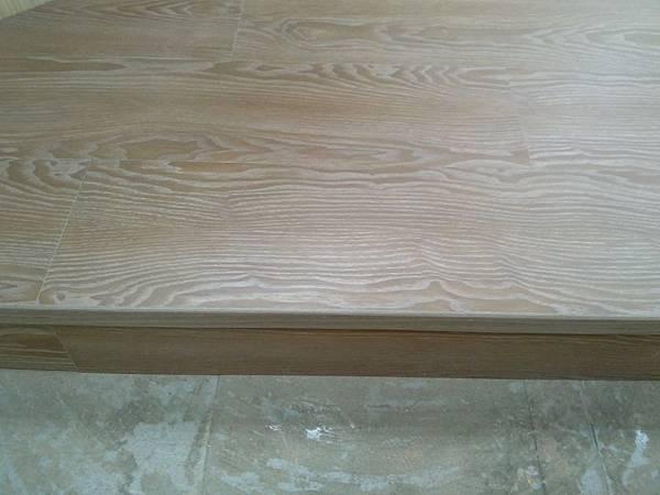超耐磨地板時尚自然紋系列-格拉斯橡木00