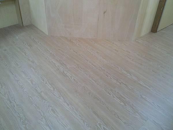 超耐磨地板時尚自然紋系列-格拉斯橡木03