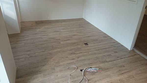 Robina超耐磨地板聖母峰橡木O116RC03