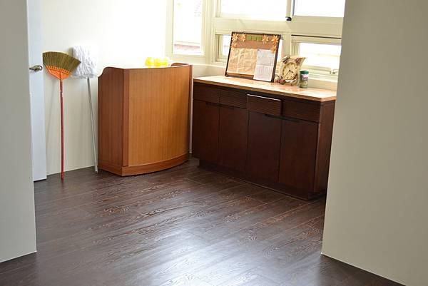 超耐磨地板碳化基材 蕭瑟棕0