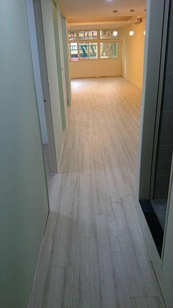 超耐磨地板 時尚oak系列 細緻白橡04