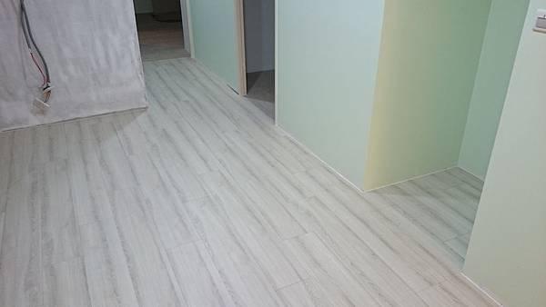超耐磨地板 時尚oak系列 細緻白橡05