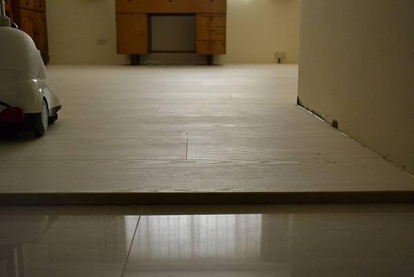 7.8寸超耐磨地板 碳化基材 (3)