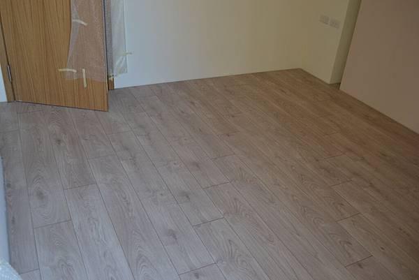 Krono 超耐磨地板 妥思卡娜橡木 (2)