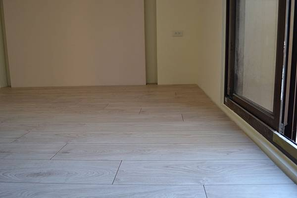 Krono 超耐磨地板 妥思卡娜橡木 (3)