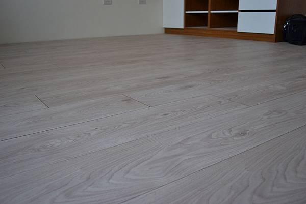 Krono 超耐磨地板 妥思卡娜橡木 (4)