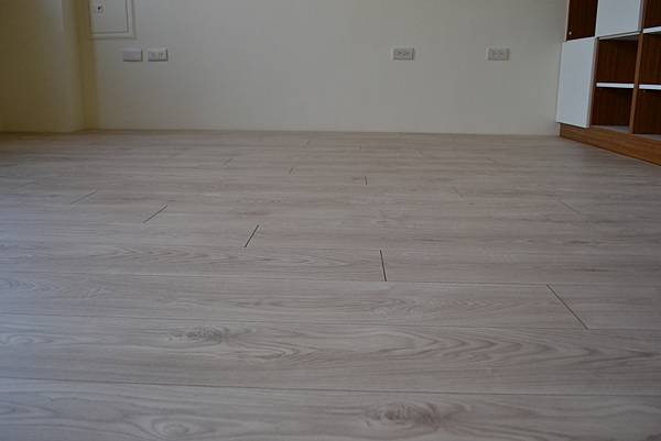 Krono 超耐磨地板 妥思卡娜橡木 (7)