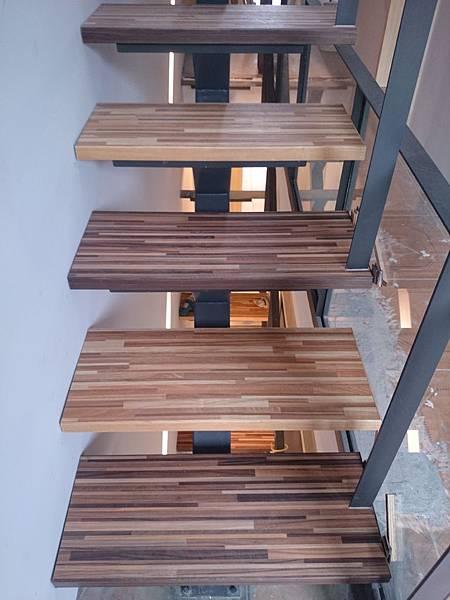 超耐磨地板 時尚系列 歐式拼木 做樓梯踏板 (3)