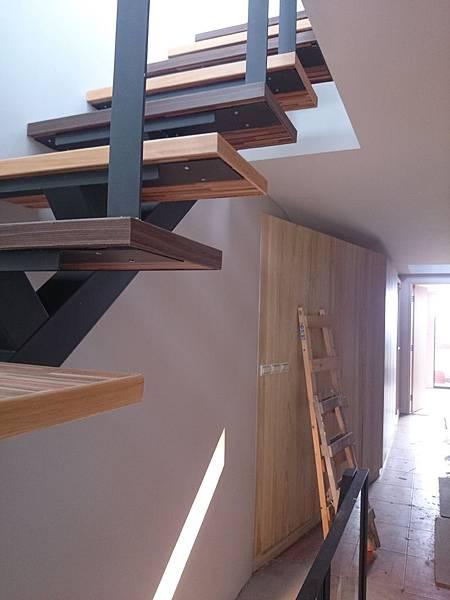 超耐磨地板 時尚系列 歐式拼木 做樓梯踏板 (4)