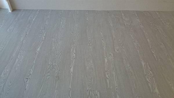 7.8寸超耐磨地板 碳化基材 深邃灰0