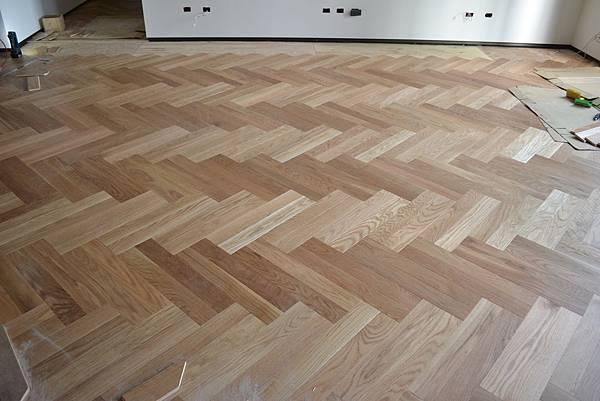 北美白橡海島複合地板 雙人字貼 (2)