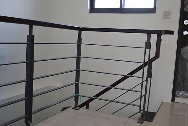 山衍地板 匾頭日式浮手 雞翅木拼接地板做樓梯踏板