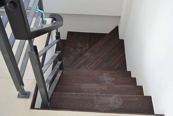 山衍地板 匾頭日式浮手 雞翅木拼接地板做樓梯踏板 (3)