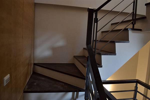 山衍地板 匾頭日式浮手 雞翅木拼接地板做樓梯踏板 (5)