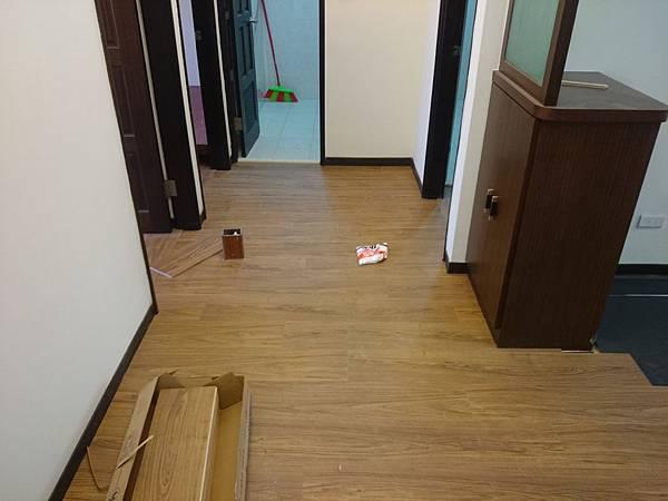 超耐磨地板 手刮紋系列 琥珀柚木 (3)