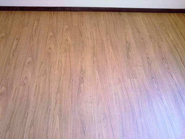 超耐磨地板 手刮紋系列 琥珀柚木