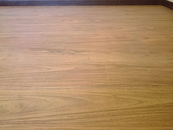 超耐磨地板 手刮紋系列 琥珀柚木 (2)