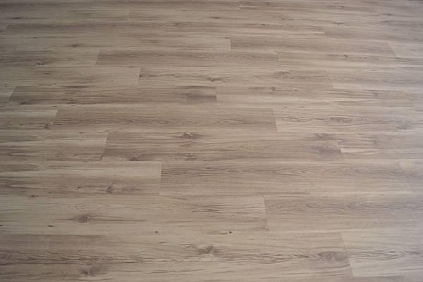 6.4寸超耐磨地板 小浮雕 新峇離島 (4).JPG