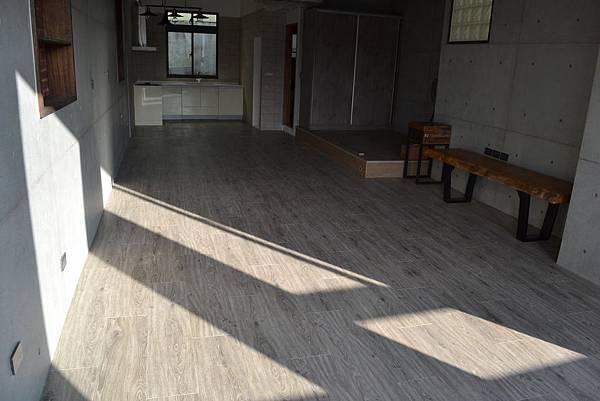 7.8寸超耐磨地板 碳化基材 天然紋系列 科囉拉多 (4).JPG