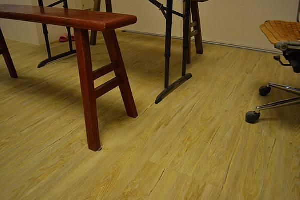 一尺寬 超耐磨地板 太極浮雕系列 星辰.JPG