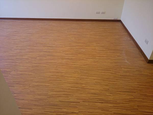 7.8寸超耐磨地板 時尚自然紋 相思柚木拼接 (2).JPG