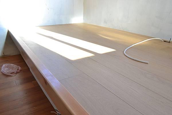 5寸厚皮橡木海島型複合地板.JPG