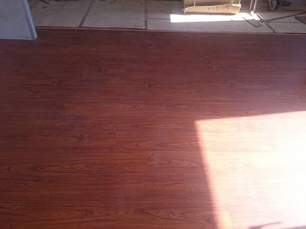 6.4寸 超耐磨地板時尚自然紋系列 黃花梨.JPG
