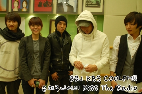 090223 Kiss The Radio 官方照 01.jpg