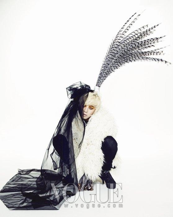 200912 VOGUE 04