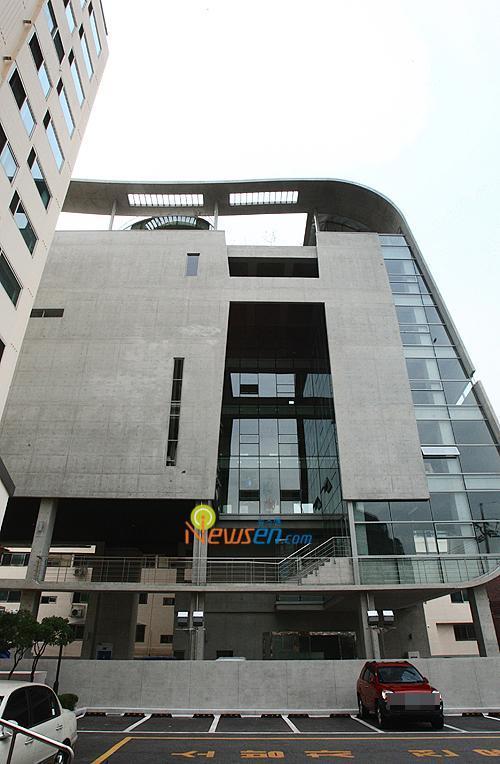 YG BUILDING 2.jpg
