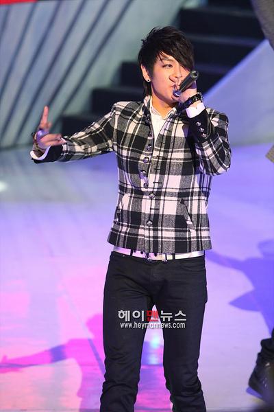 081204 Mnet M Countdown 02.jpg