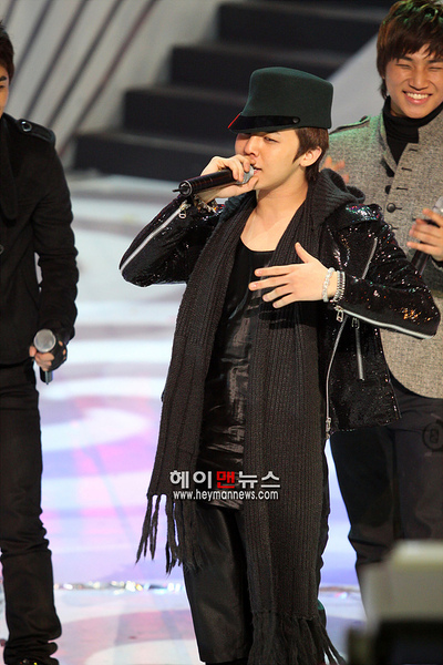 081204 Mnet M Countdown 04.jpg
